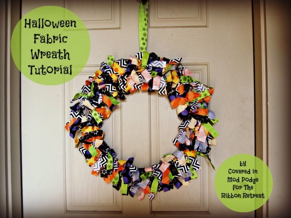 Halloween Fabric Wreath Tutorial - {The Ribbon Retreat Blog}