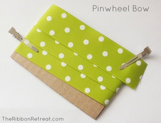 How to Make Bows: Pinwheel Bow {The Ribbon Retreat Blog}