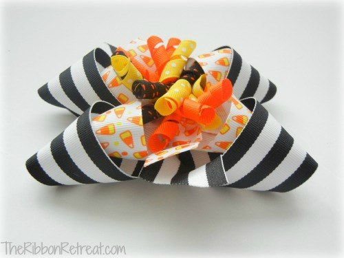 Inside Out Halloween Bow - {The Ribbon Retreat Blog}