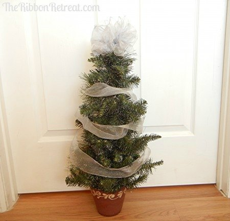 Wired Ribbon Christmas Tree - The Ribbon Retreat Blog