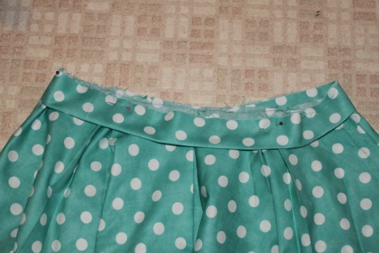 Pin the waistband to the circle skirt