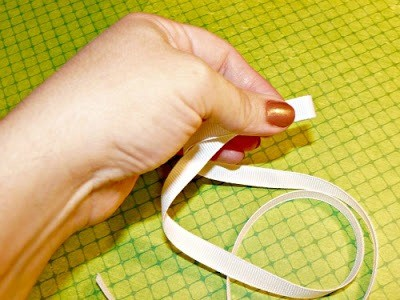 "GHOST Ribbon Sculpture Tutorial - ""Boo""-tiful! {The Ribbon Retreat Blog}"